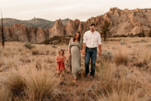 Smith Rock Sunset Maternity Session