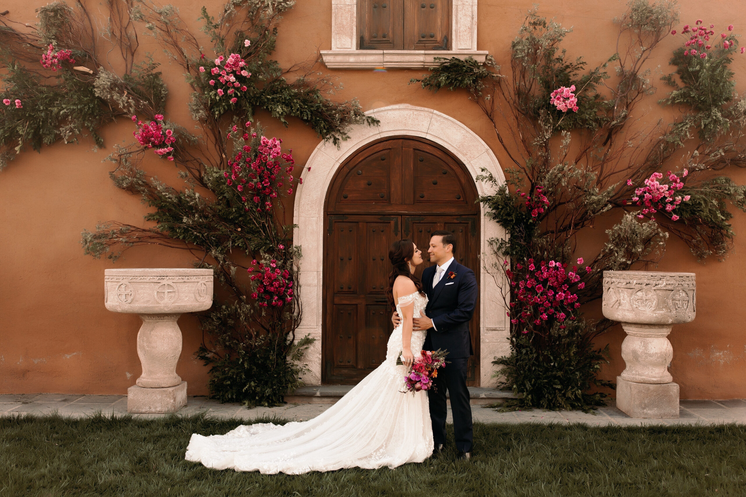 bride and groom kissing in mexico